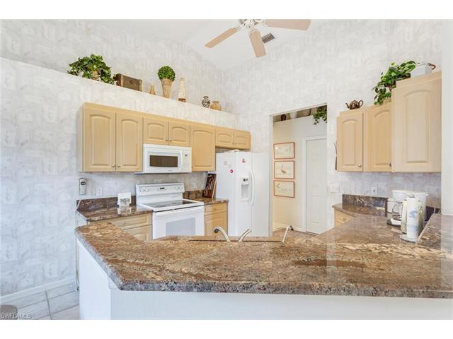 9220 Bramble Ct, Fort Myers, FL 33919