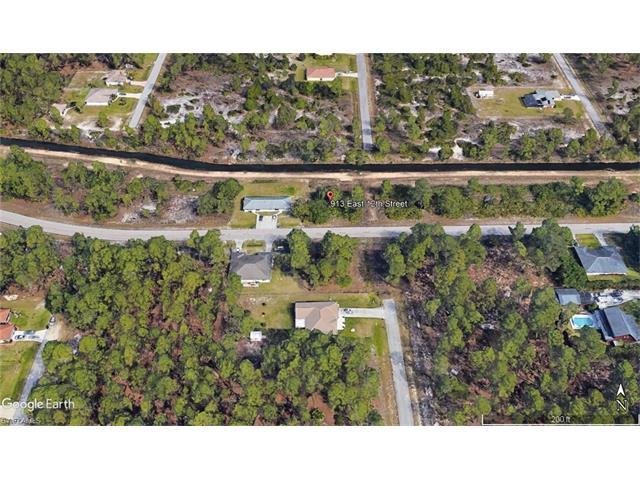 913 E 12th St, Lehigh Acres, FL 33972