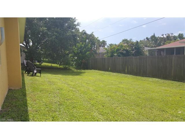 8336 Aloha Rd, Fort Myers, FL 33967