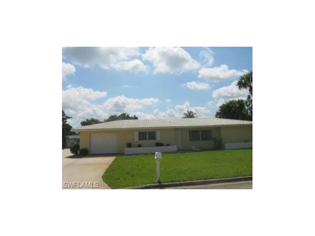 111 W Lake Dr, Lehigh Acres, FL 33936