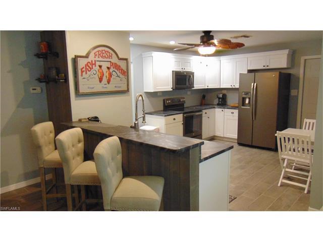 209 Avacado Ct, Fort Myers, FL 33905