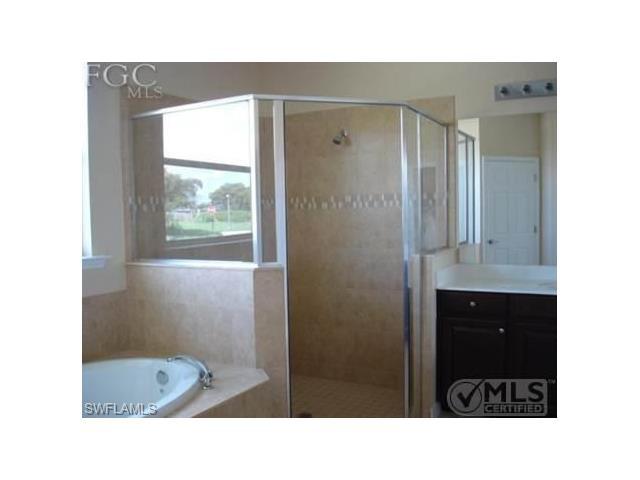 2403 Ashbury Cir, Cape Coral, FL 33991