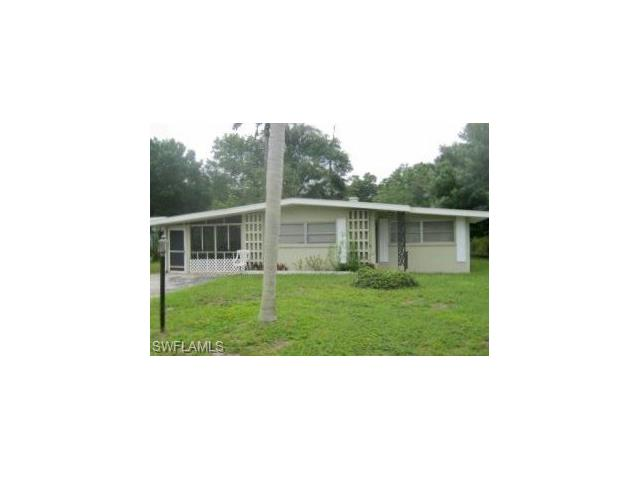 1254 Pinecrest St, North Fort Myers, FL 33903