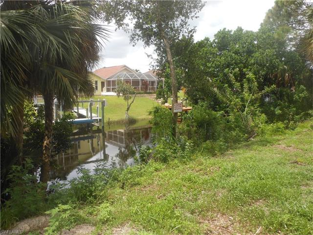 897 Iris Dr, North Fort Myers, FL 33903