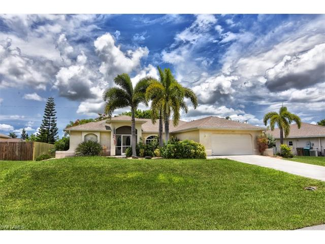 427 Se 13th Ter, Cape Coral, FL 33990