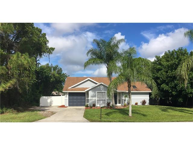 17412 Oriole Rd, Fort Myers, FL 33967