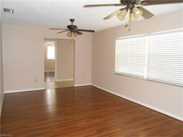 4715 Mi Casa Ct, Fort Myers, FL 33901