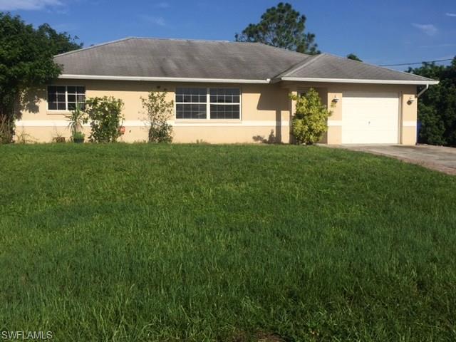 901 Acroft Ave, Lehigh Acres, FL 33971