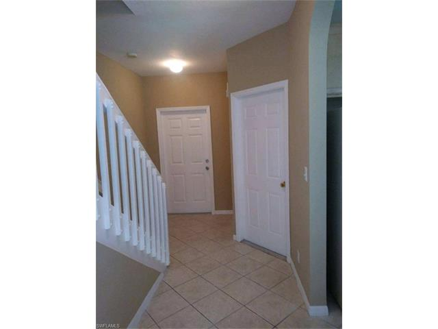 8099 Pacific Beach Dr, Fort Myers, FL 33966