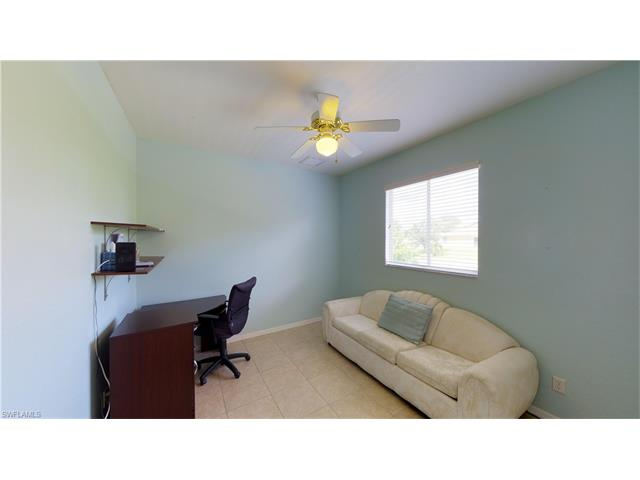 926 Sw 8th Pl, Cape Coral, FL 33991