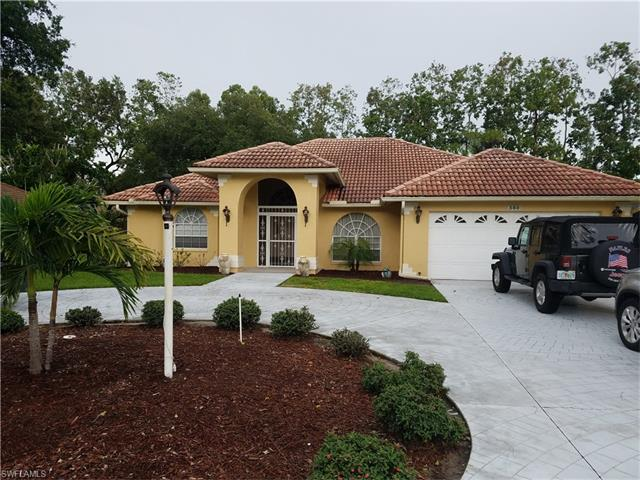 560 Henley Dr, Naples, FL 34104
