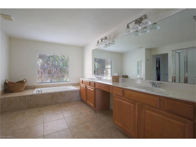 2616 Sunvale Ct, Cape Coral, FL 33991