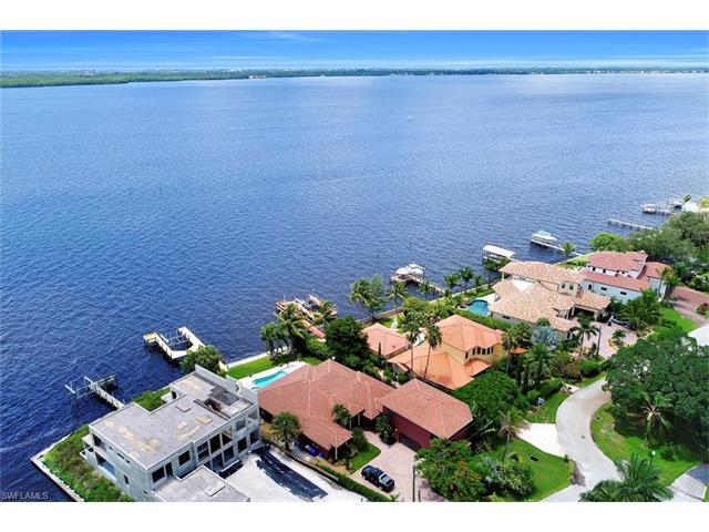 3978 W Riverside Dr, Fort Myers, FL 33901