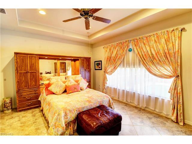 2604 Maraval Ct, Cape Coral, FL 33991