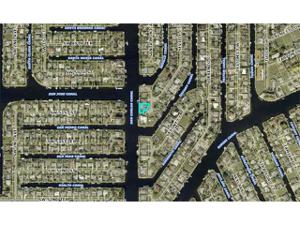 4980 Seville Ct, Cape Coral, FL 33904