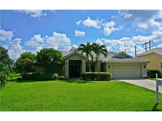 12814 Vista Pine Cir, Fort Myers, FL 33913