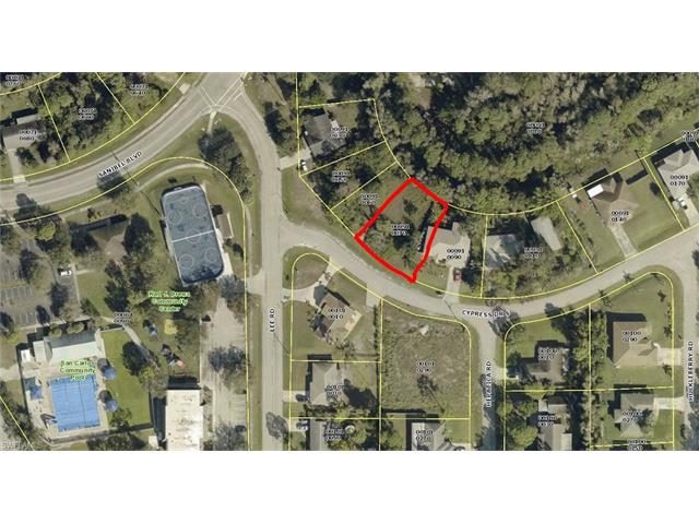 8253 Cypress Dr S, Fort Myers, FL 33967