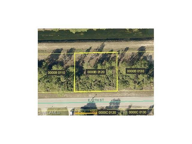 1421 E 12th St, Lehigh Acres, FL 33972