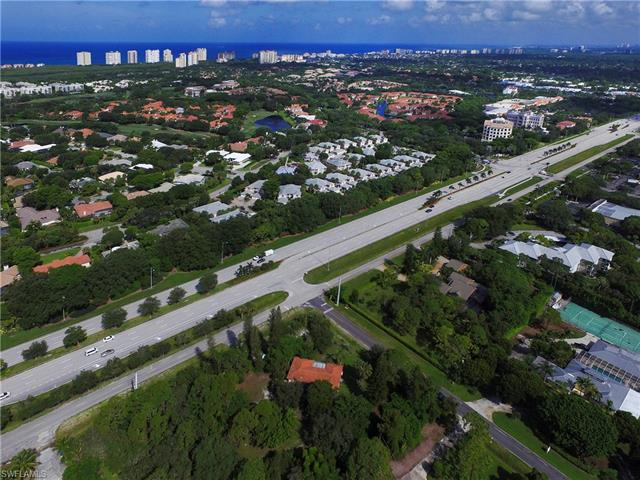 7084 Trail Blvd, Naples, FL 34108