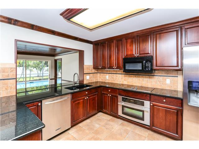 2425 Kent Ave, Fort Myers, FL 33907