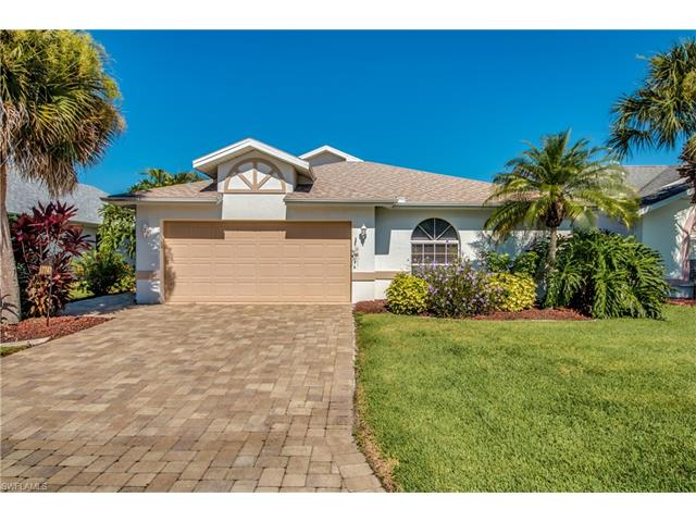 17747 Acacia Dr, North Fort Myers, FL 33917