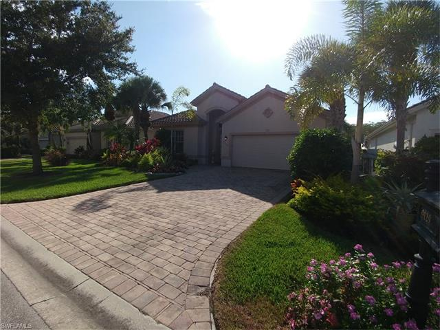 9129 Quartz Ln, Naples, FL 34120