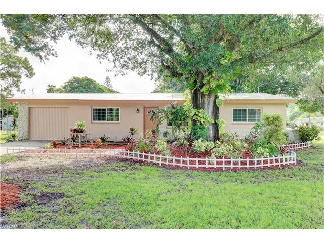 7427 Coon Rd, North Fort Myers, FL 33917