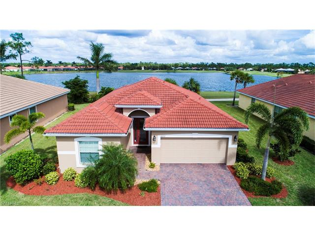 20717 Castle Pines Ct, North Fort Myers, FL 33917
