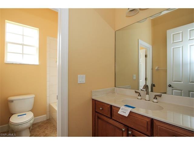 8761 Hideaway Harbor Ct, Naples, FL 34120