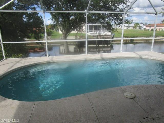 527 Sw 40th Ter, Cape Coral, FL 33914