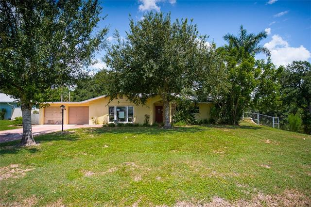 676 Muscogee Dr, North Fort Myers, FL 33903