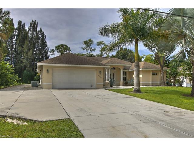 5248 Maple Ln, Naples, FL 34113