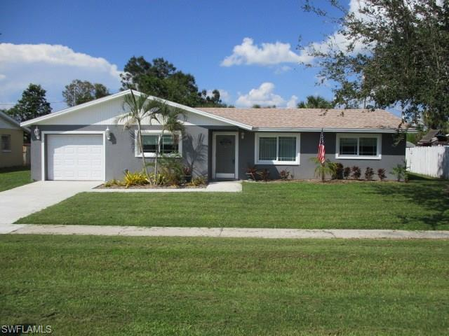 960 Jasmine St, North Fort Myers, FL 33903