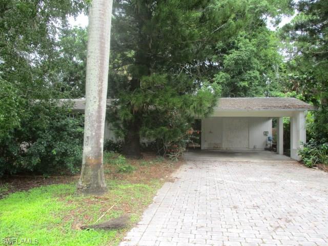 3669 Marvaez St, Fort Myers, FL 33901