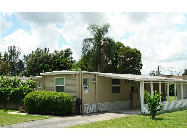 2076 Flowers Dr, Fort Myers, FL 33907