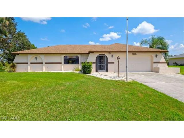 17210 Castleview Dr, North Fort Myers, FL 33917