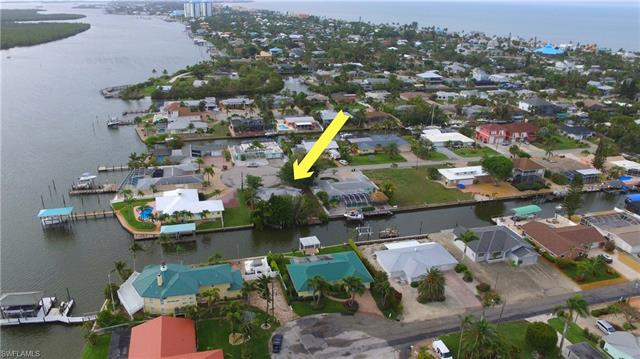 467 Madison Ct, Fort Myers Beach, FL 33931