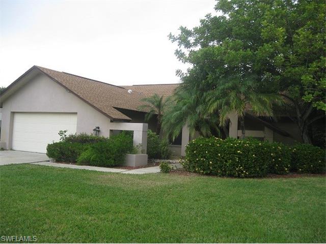 5724 Sandpiper Pl, Fort Myers, FL 33919