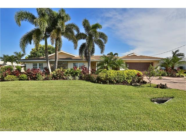 977 N Waterway Dr, Fort Myers, FL 33919