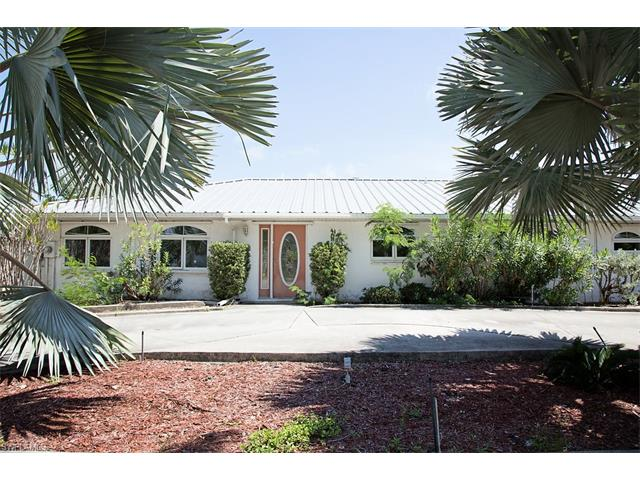 11800 Isle Of Palms Dr, Fort Myers Beach, FL 33931