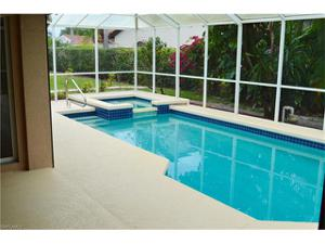 1517 Kenridge Pl, Naples, FL 34104