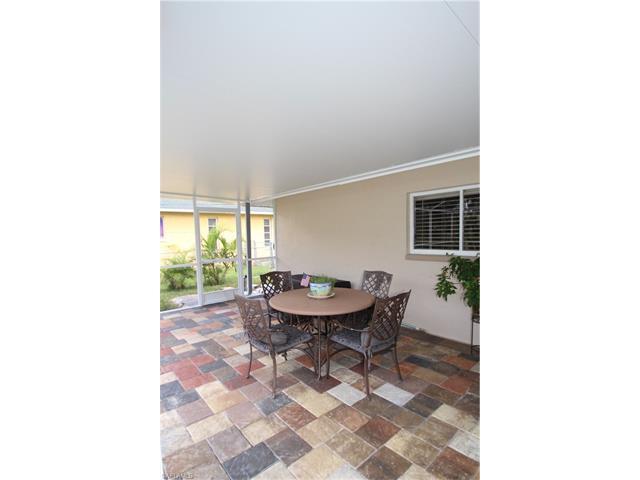 5022 Sw 15th Pl, Cape Coral, FL 33914
