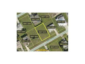 2605 Sw 27th St, Cape Coral, FL 33914