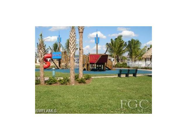 2600 Brightside Ct, Cape Coral, FL 33991