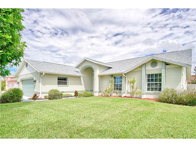 927 Sw 4th Pl, Cape Coral, FL 33991