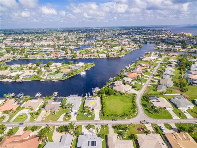 1819 Se 45th St, Cape Coral, FL 33904