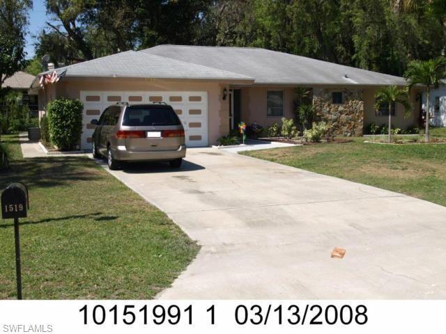 1519 Flynn Rd, North Fort Myers, FL 33903