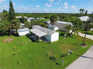 1123 Dolphin Ln, Moore Haven, FL 33471