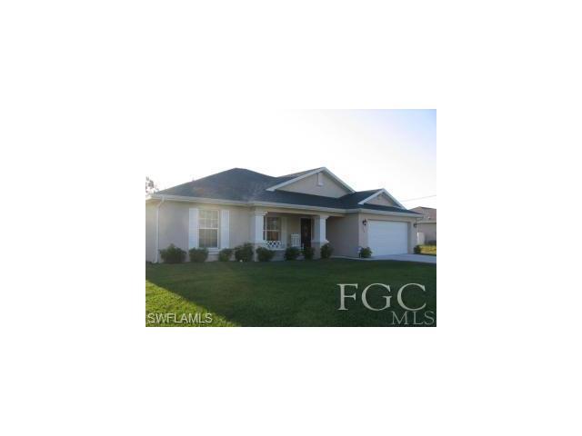 824 Agnes Ave, Lehigh Acres, FL 33971
