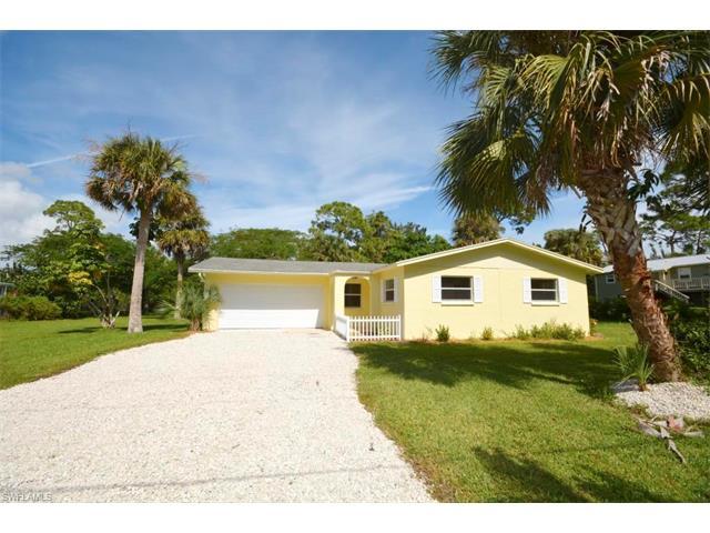 3582 Papaya St, St. James City, FL 33956